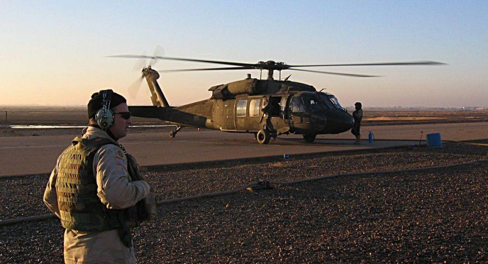 Un hélicoptère américain à la base aérienne de Balad, en Irak