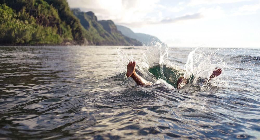 Plusieurs centaines de kilomètres: un Algérien tente de rejoindre l'Australie à la nage