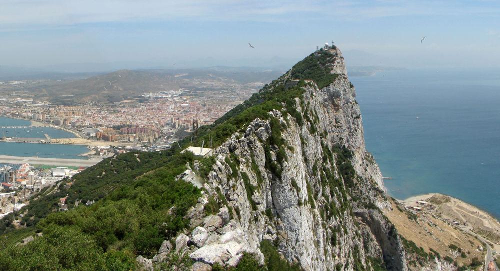 Vue panoramique vers le nord depuis le haut du Rocher de Gibraltar.