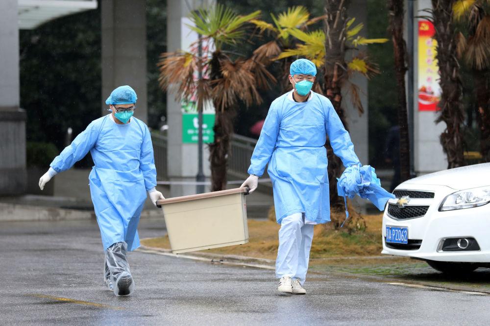Pékin annule les festivités du Nouvel an, Singapour touché — Coronavirus