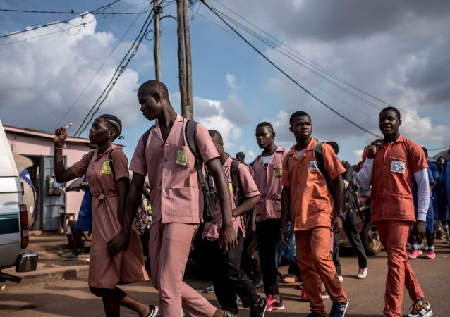 Des lycéens à Yaoundé, Cameroun.