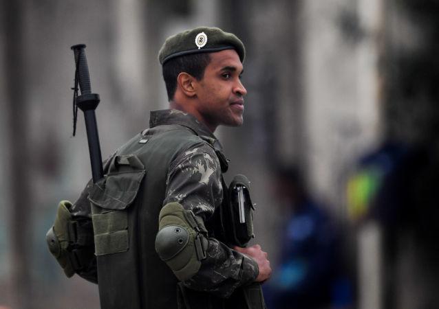 Un militaire brésilien