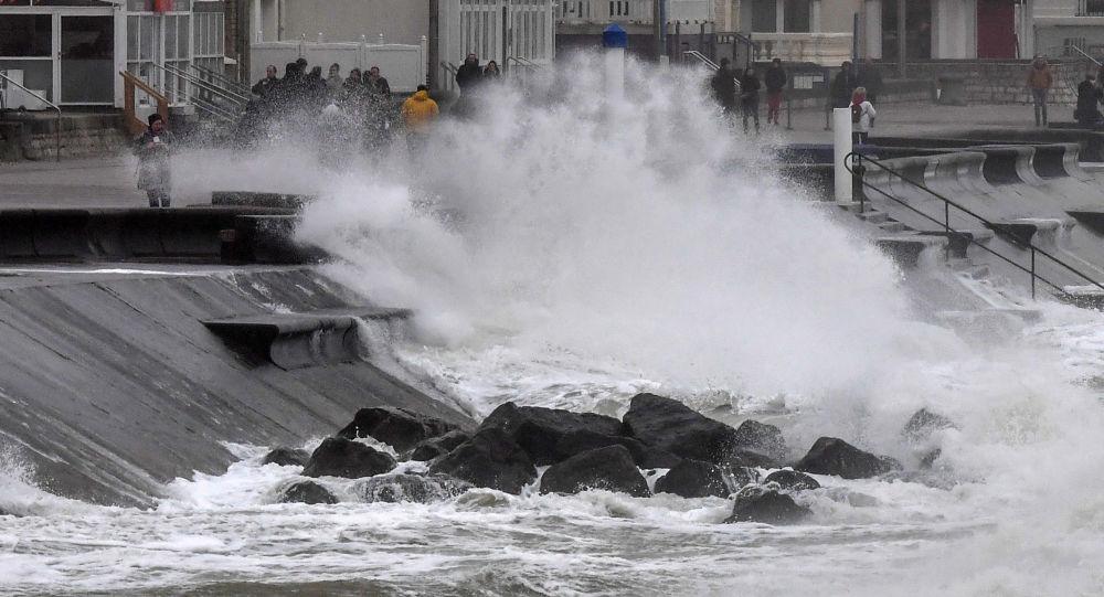 La tempête Ciara sévit en Europe, des victimes et des dégâts matériels à déplorer
