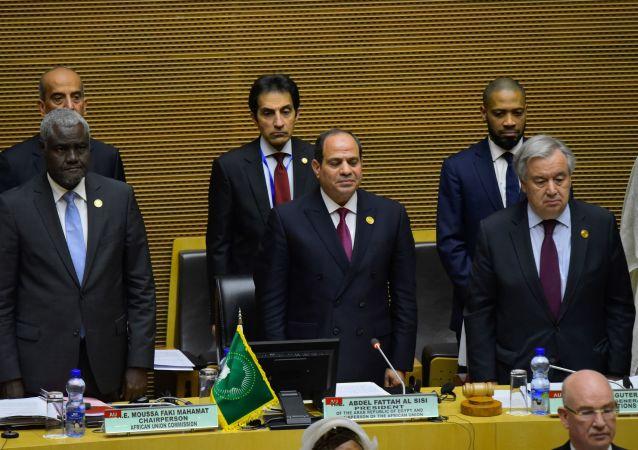 Le Président égyptien Abdel Fattah el-Sisi, au centre, lors du 33e sommet de l'Union africaine à Addis-Abeba, le 9 février 2020.