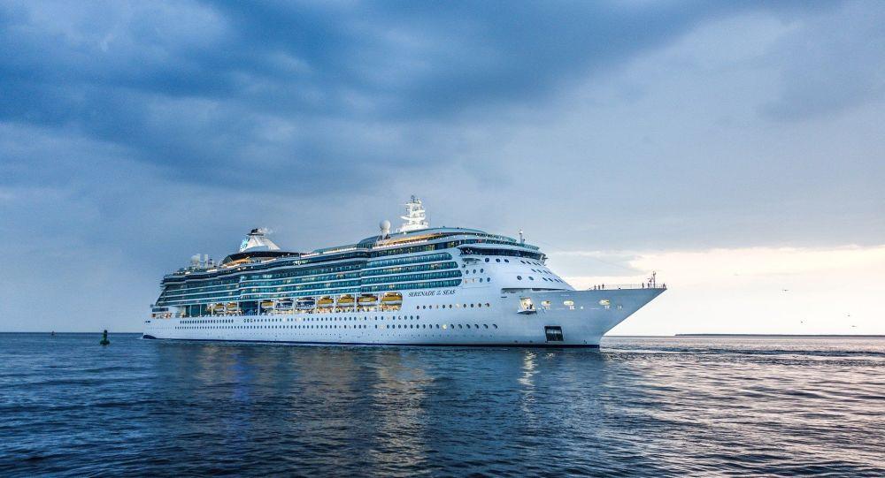 Un ferry avec 800 passagers venant du Maroc interdit puis finalement autorisé à accoster en France