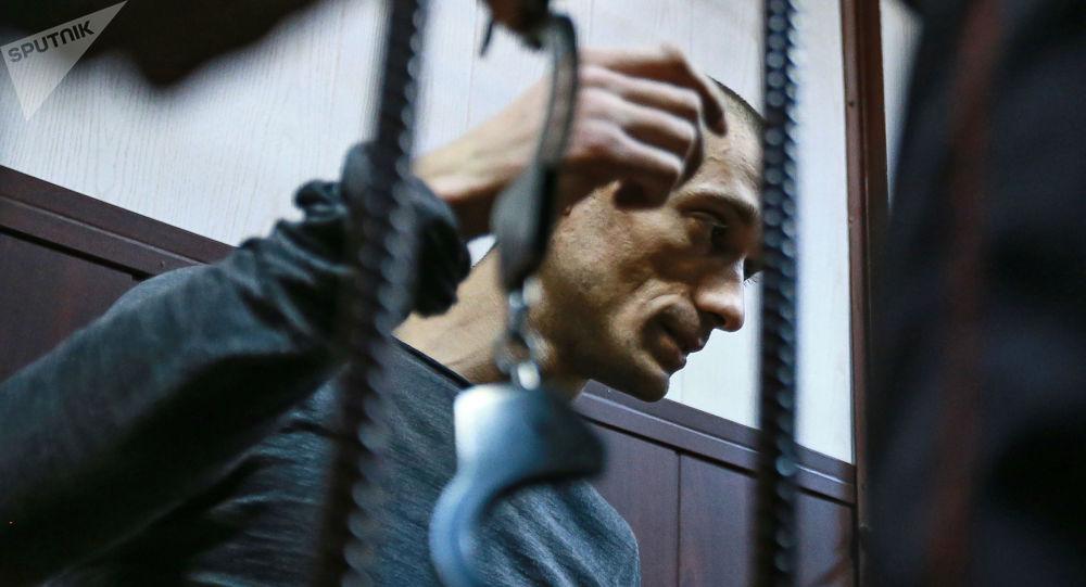 Affaire Griveaux: un policier soupçonné d'avoir prévenu la presse de l'interpellation de Pavlenski a été arrêté