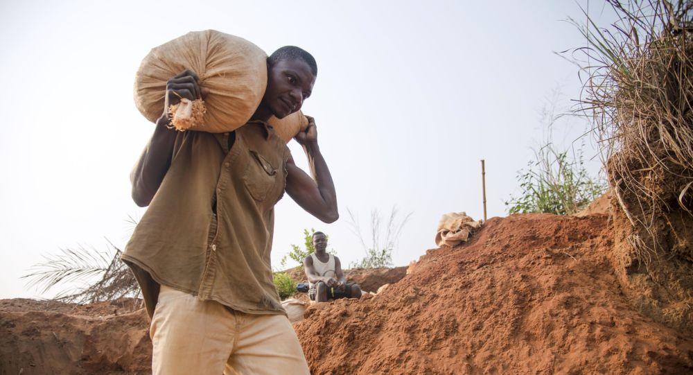 Mineur de diamant, en Republique Démocratique de Congo