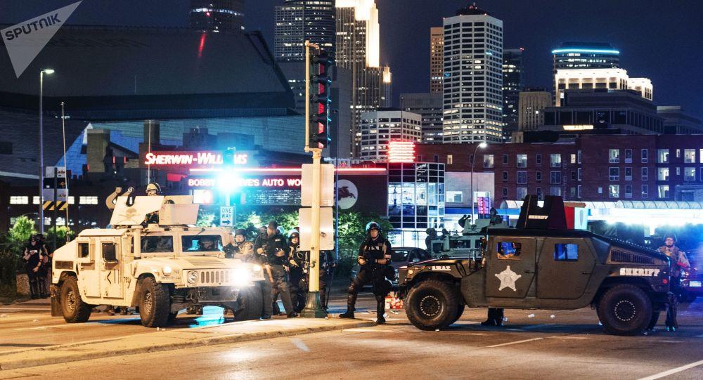 Trump qualifie les émeutes d'«actes de terreur intérieure» et se dit prêt à déployer l'armée
