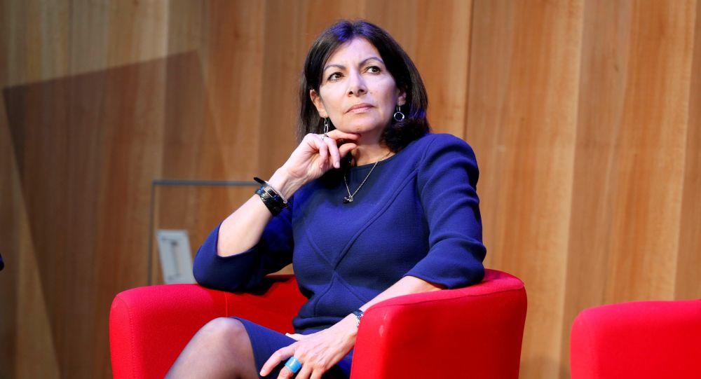La candidature d'Anne Hidalgo en 2022 se précise. Femme providentielle ou «dilapidatrice»?