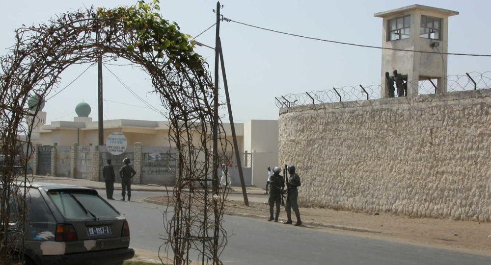 Au Sénégal, le port du bracelet électronique, mesure salutaire ou luxe inutile?