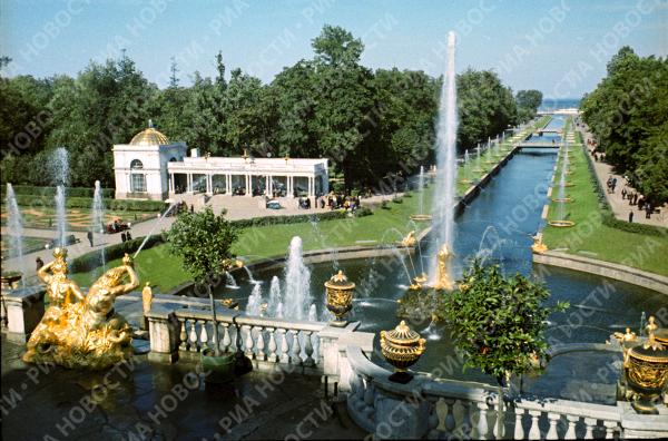 Peterhof la r sidence d 39 t de pierre le grand sputnik france - Residence grand siecle versailles ...