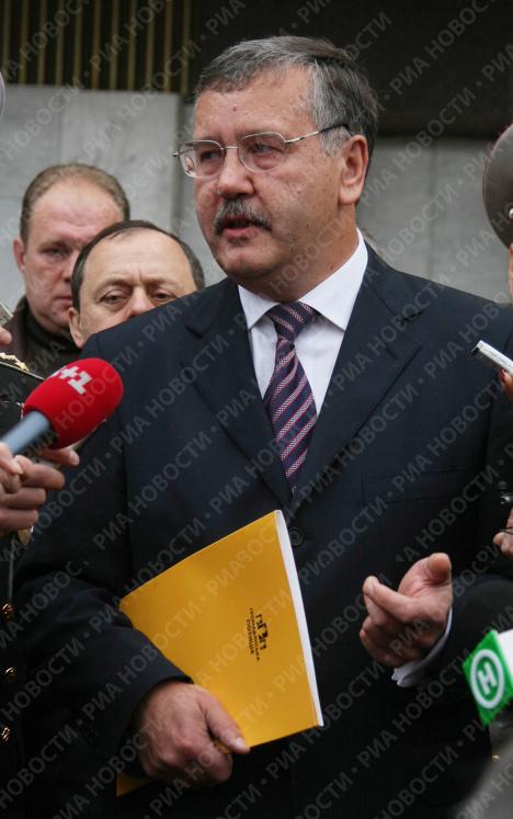 Анатолий Гриценко подал документы в ЦИК