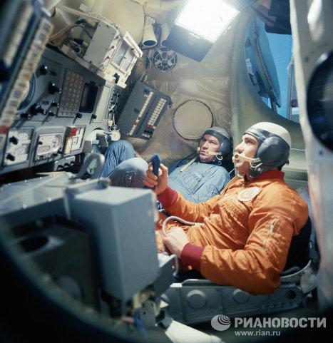 Валерий Рюмин и Леонид Попов