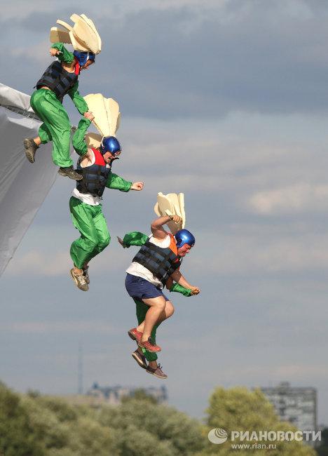 Спортивное шоу Red Bull Flugtag 2011