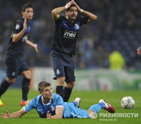Игровой момент матча Порту - Зенит