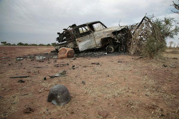 Сгоревший автомобиль боевиков-исламистов