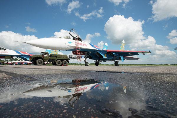 Истребитель Су-27 АГВП Русские Витязи на аэродроме временного базирования в г.Пушкин