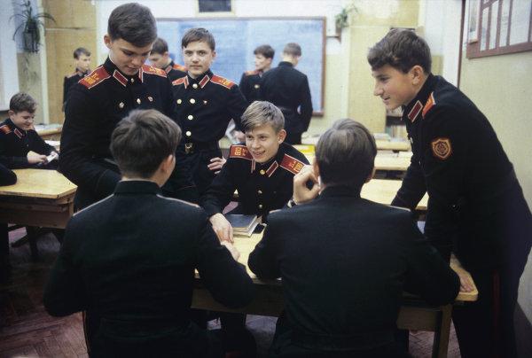 Курсанты Калининского суворовского военного училища
