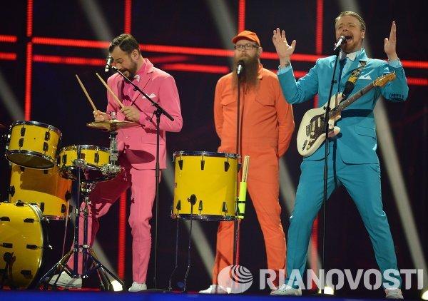 Представители Исландии Pollaponk выступают в полуфинале 59-го международного конкурса песни Евровидение-2014 в Копенгагене