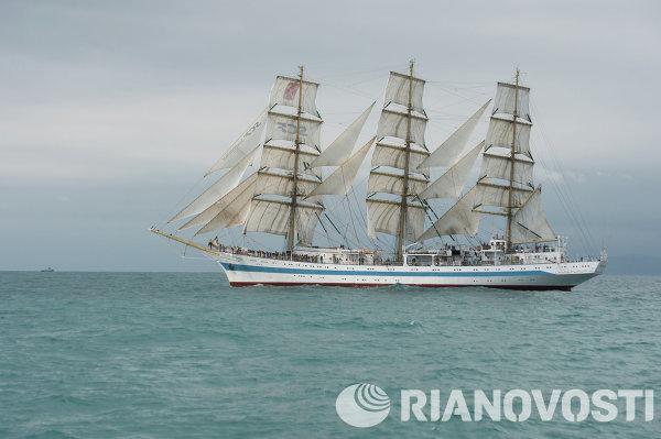 Черноморская регата больших парусников в Сочи