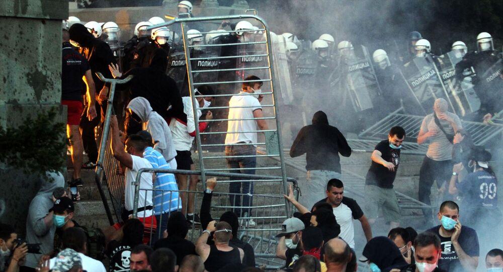 des émeutes à Belgrade, le 8 juillet 2020