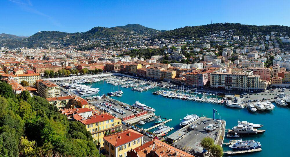 Le port de Nice (Alpes-Maritimes, Provence-Alpes-Côte d'Azur, France), vu de la colline du château.