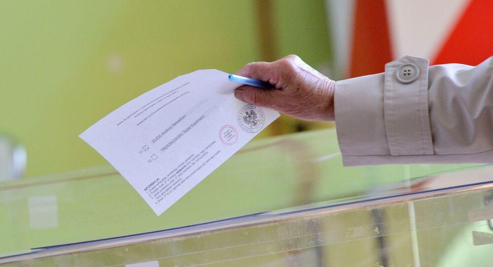 Pologne: le président conservateur Andrzej Duda réélu en Pologne