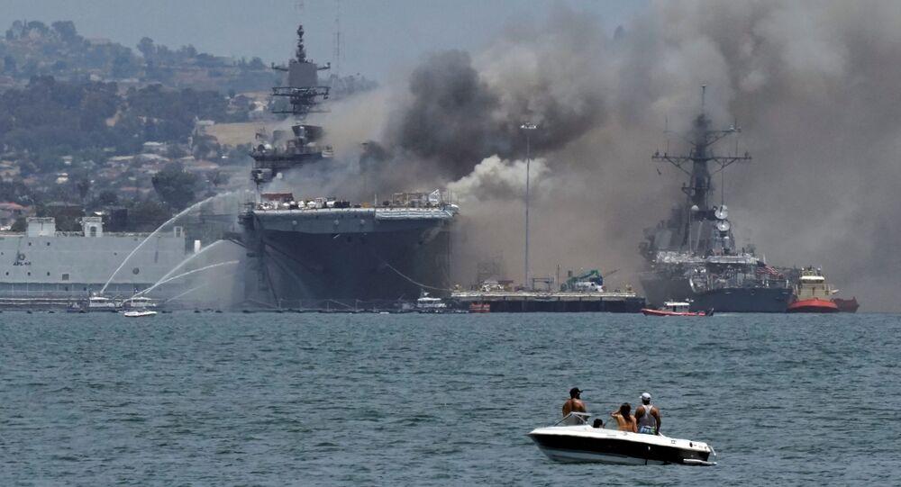 Incendie à bord de l'USS Bonhomme Richard à San Diego le 12 juillet 2020