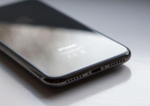 L'iPhone X, le premier smartphone d'Apple doté d'un écran OLED