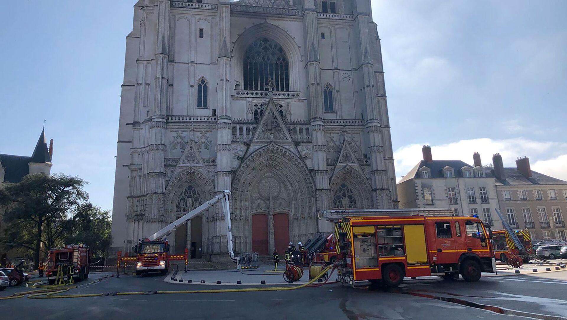 Incendie à la cathédrale de Saint-Pierre-et-Saint-Paul de Nantes, 18 juillet 2020 - Sputnik France, 1920, 09.08.2021