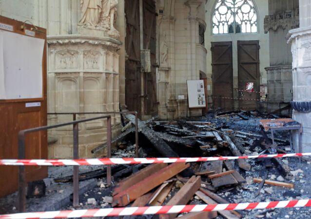 La cathédrale de Nantes après l'incendie