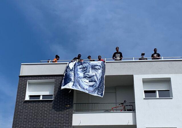 Quatre ans après la mort d'Adama Traoré, mobilisation сontre les violences policières à Beaumont-sur-Oise, 18 juillet 2020
