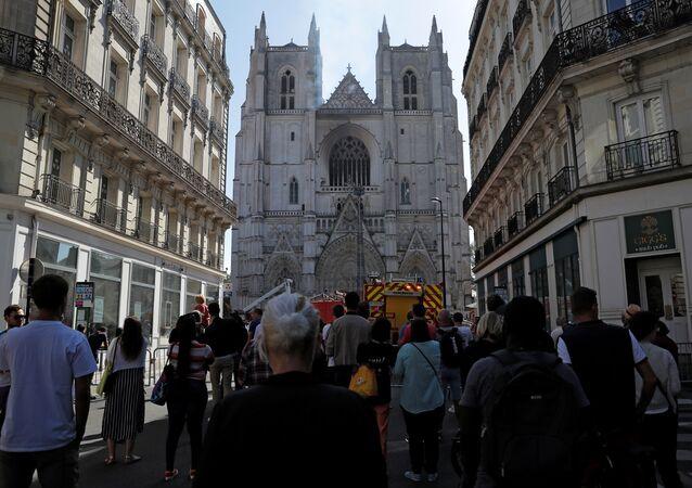 Incendie à la cathédrale Saint-Pierre et Saint Paul de Nantes, le 18 juillet 2020