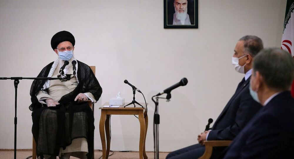 L'ayatollah Ali Khamenei avec le Premier ministre irakien Mustafa al-Kadhimi
