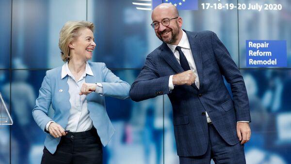 Ursula von der Leyen et Charles Michel au terme du Conseil européen à Bruxelles, le 21 juillet 2020 - Sputnik France