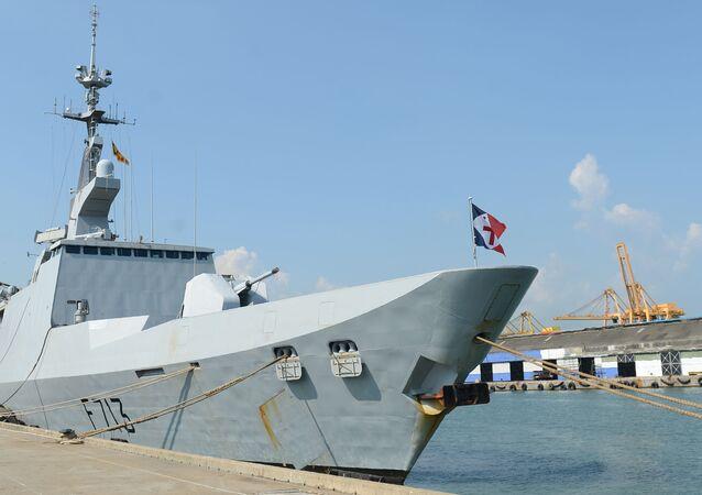 La frégate française Aconit ancré dans le port de Colombo au Sri Lanka le 29 avril 2016.