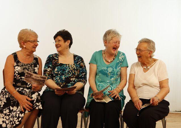 Des personnes riantes (image d'illustration)