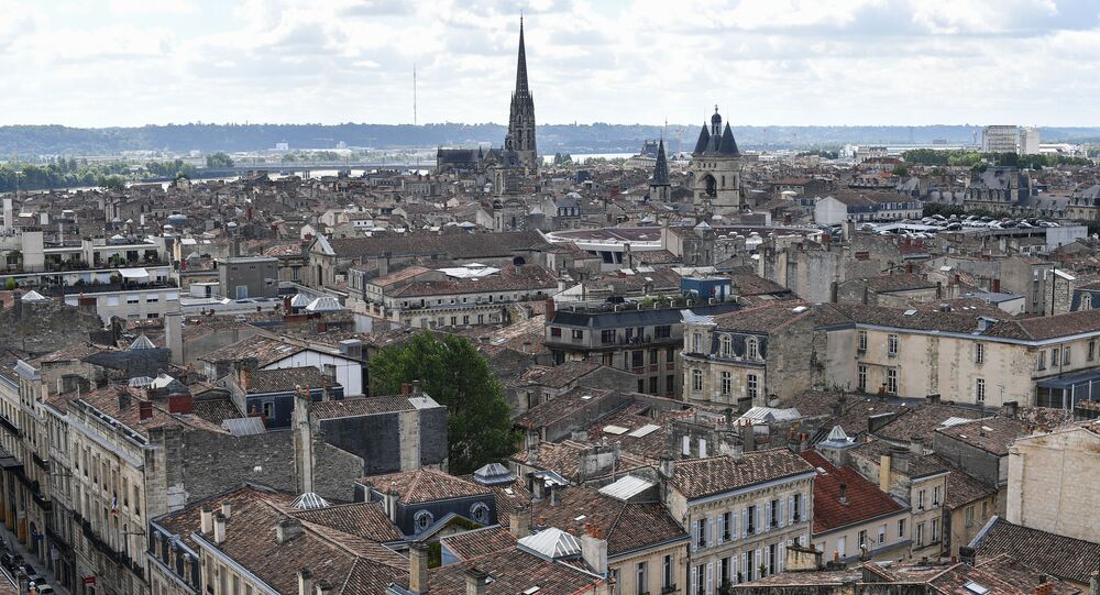 Bordeaux : Quatre adolescents interpellés après des inscriptions menaçantes sur des collèges