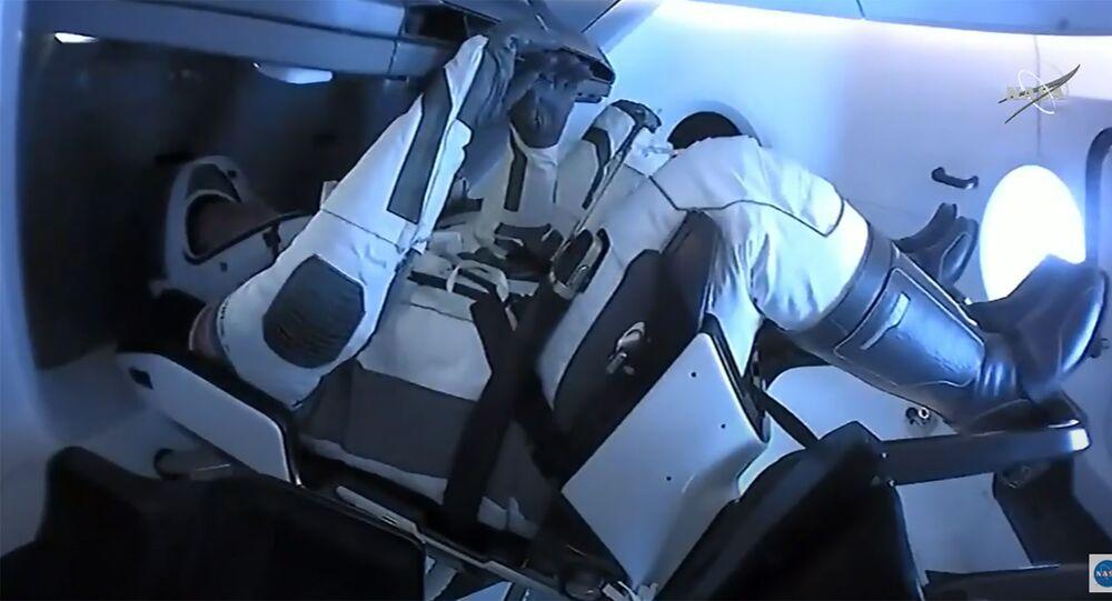 La capsule SpaceX avec deux astronautes à bord a amerri dans le golfe du Mexique