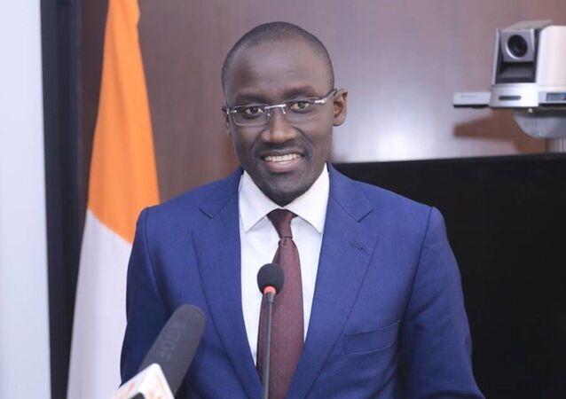 Le ministre Abdourahmane Cissé engage la lutte contre la cherté de la vie à travers une gestion optimale des factures d'électricité.