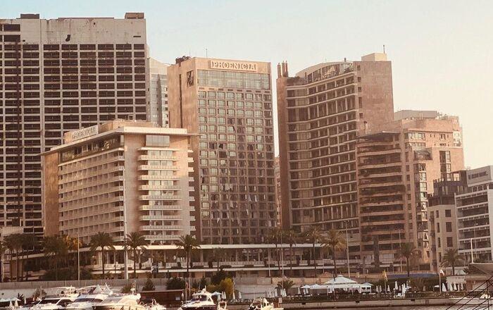 Explosion à Beyrouth: la déflagration a soufflé les vitres des habitations situées dans un rayon de quelques kilomètres de l'épicentre, 4 août 2020