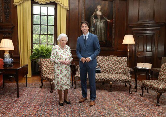 Élisabeth II et Justin Trudeau, juillet 2017 (image d'illustration)