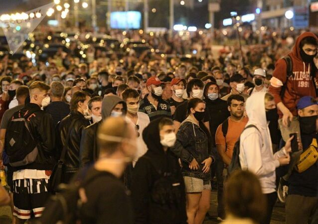 Протестующие на проспекте Пушкина, Минск, 10 августа 2020