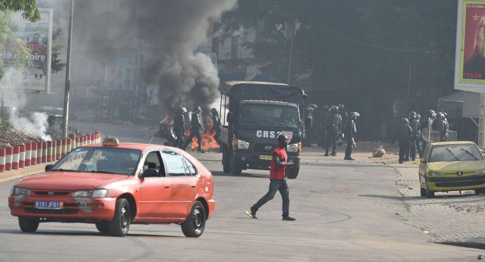 Émeutes à Abidjan contre un troisième mandat d'Alalssane Ouattara, le 13 août 2020.