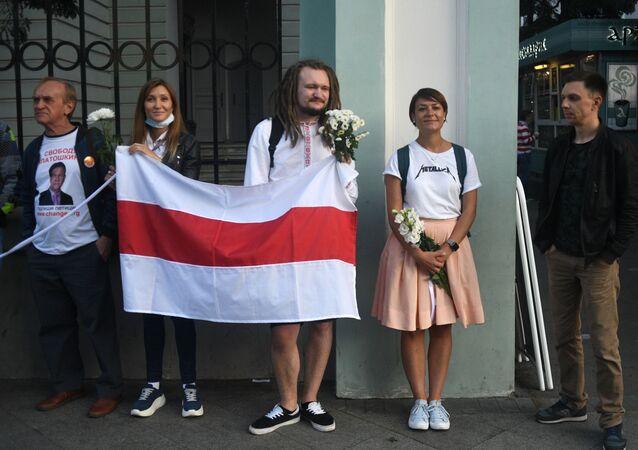 Une nouvelle action devant l'ambassade de Biélorussie à Moscou