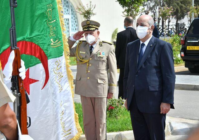 Le Président algérien Abdelmadjid Tebboune lors d'une visite à un établissement militaire