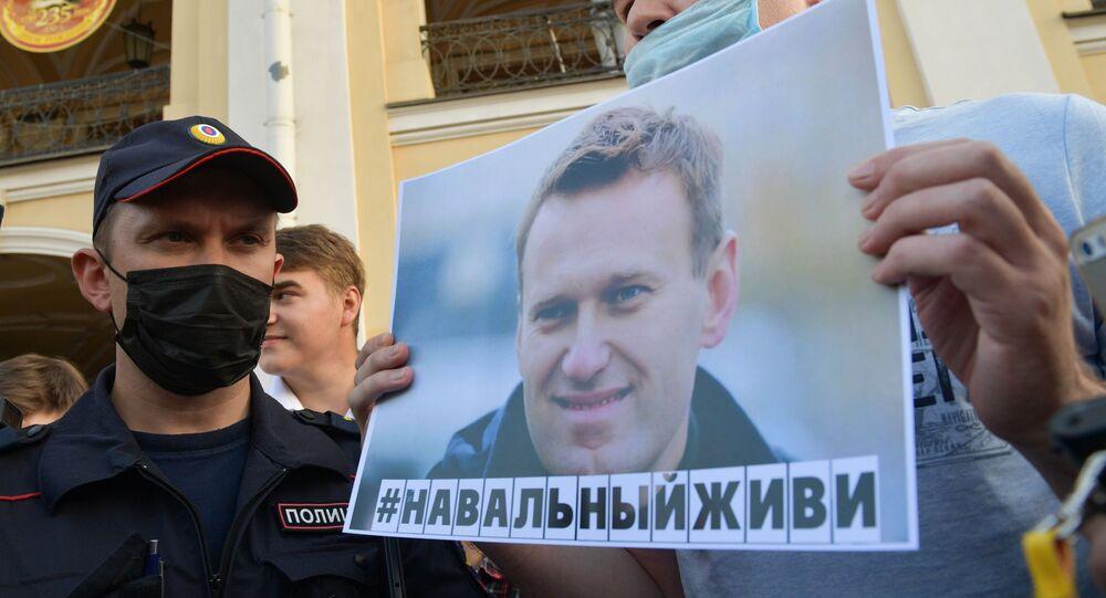 Une action de soutien à Navalny à Saint-Pétersbourg