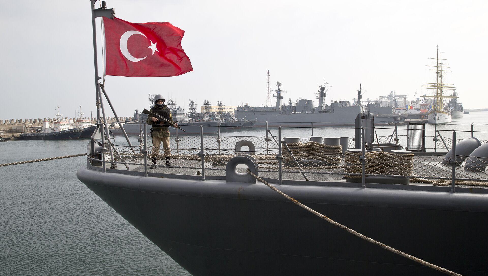 Un navire de la Marine turque dans un port de la mer Noire (archive photo) - Sputnik France, 1920, 06.02.2021