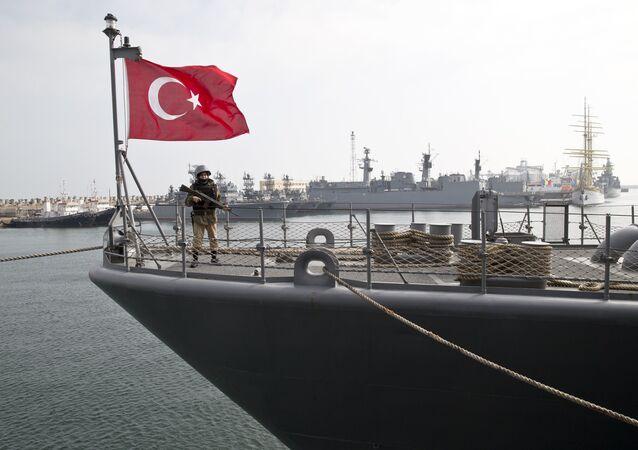 Un navire de la Marine turque dans un port de la mer Noire (archive photo)