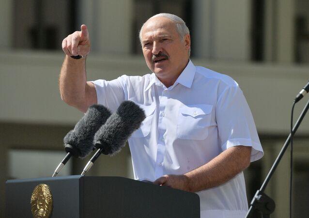 Alexandre Loukachenko lors d'un meeting de soutien à sa politique (archive photo)